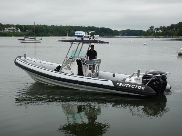 Protector 28′ Center Console full