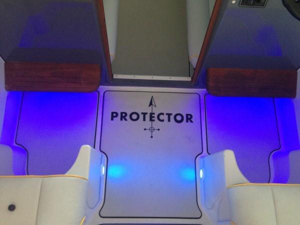 Protector 33′ Targa full